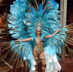 Beans, Peas and Lentils - I'm a girl writing an article. Carnival Girl, Brazil Carnival, Carnival Outfits, Trinidad Carnival, Rihanna Carnival, Carribean Carnival Costumes, Caribbean Carnival, Showgirl Costume, Samba Costume