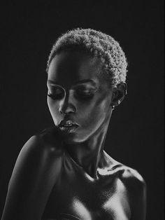 Portrait work of nigerian model Ramona Black Women Art, Beautiful Black Women, Black And White Portraits, Black And White Photography, Skin Girl, Photographie Portrait Inspiration, African Beauty, Female Art, Portrait Photography