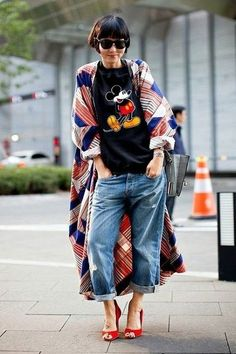 Kimono woman: how to wear it and what outfit? – Besten Dekor 2018 Kimono woman: how to wear it and what outfit? Look Kimono, Kimono Outfit, Kimono Fashion, Kimono Style, Kimono And Jeans, Hijab Jeans, Kimono Shirt, Fashion Dresses, Modest Fashion