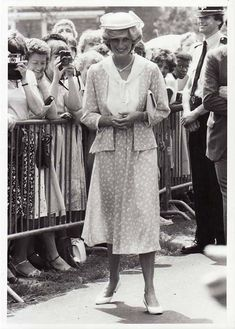 Diana - She so-o-o could have worn Art Nouveau era style!!!