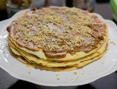 Chilean Thousand Layers Cake is the most traditional cake in Chile, layers of thin crispy dough almost cookie like and dulce de leche. Chilean Desserts, Chilean Recipes, Chilean Food, Torta Chilena Recipe, Thousand Layer Cake, Crispy Cookies, Bobe, Traditional Cakes, Gourmet