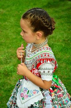 Beautiful little darling girl. International Children's Day, Roman Artifacts, Costumes Around The World, Curious Creatures, Beauty Around The World, Beautiful Costumes, We Are The World, Bratislava, Folk Costume