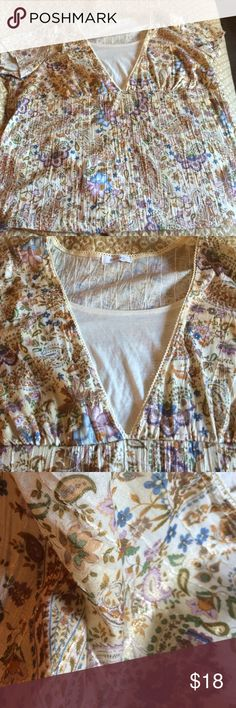 Plus size beige floral top This has allot of detail that you can't see through the picture there is gold and clear sequence 🌸🌸 it is not sheer material so it looks great with Jeans . Item comes from smoke free home . You will love this romantic print top. Dress Barn Tops Blouses