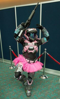 THE MOST DELIGHTFULLY RANDOM COSPLAY FROM COMIC-CON 2013 Halo Ballet By uncle_shoggoth