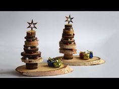 Make a fir tree out of slices of branch. Instructions at Kikisweb. Make a fir tree out of slices of branch. Instructions at Kikisweb. Christmas Makes, Christmas Items, Christmas Crafts, Xmas, Christmas Ornaments, Minimal Christmas, Simple Christmas, Natural Christmas, Christmas Christmas