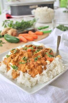 The BEST Coconut Curry Crockpot Chicken Family Dinner Recipe – Yummy Easy Slow Cooker Meal by Dreami Crock Pot Curry, Curry Crockpot, Crockpot Recipes, Chicken Recipes, Chicken Ideas, Cooker Recipes, Paleo, Keto, Garam Masala