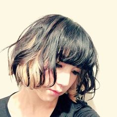"""Mami looks so different in this pic. Mami's Blog Post """"PERFECT WORLD opening day"""" 2015-12-10 01:56:36 SCANDAL ARENA TOUR 2015-2016PERFECT WORLD at Kobe World Memorial Hall!!! Everyone who came thank youー!! How was it? After the live we all talked together Having opening day in Kansai was calming. Since we're """"from"""" Osaka Kansai dialect and the atmosphere of the people here really is calming. Being able to have our opening day at Kobe World was great!! Thank you so muchー! Also next is…"""
