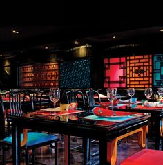 Asian Home Decor Will Make Your Home Look Beautiful And Simple Chinese Interior, Japanese Interior, Chinese Restaurant, Cafe Restaurant, Cafe Bar, China, Restaurants, Asian Home Decor, Restaurant Interior Design