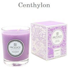 Vela aromática de lilas. Un placer floral. Lilac scented candle. A floral delight.