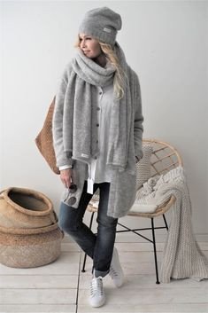 Nordic Image, Mode Outfits, Boho Fashion, Knitted Hats, Winter Hats, Normcore, Street Style, Style Inspiration, Clothes For Women