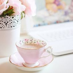 We pretty tea cups that we dont use. My Cup Of Tea, Rose Cottage, Tea Cakes, Coffee Love, Vintage Tea, High Tea, Afternoon Tea, Girly Things, Pretty In Pink
