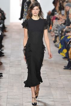 Michael Kors Fall 2015 RTW Runway – Vogue  This dress can be tailored for any size especially full figures with lots of curves!  :)