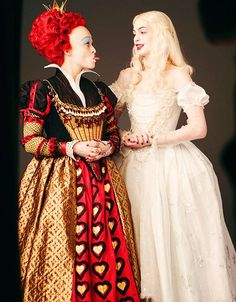 Helena Bonham Carter as the Red Queen and Anne Hathaway as the White Queen in Alice in Wonderland
