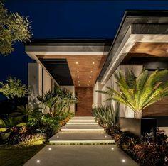 Modern Villa Design, Modern Exterior House Designs, Dream House Exterior, Exterior Design, Entrance Design, House Entrance, Modern Tropical House, Casas The Sims 4, House Front Design