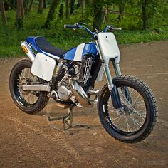 Sharp-looking Yamaha flat tracker.Built by Italian Lorenzo Buratti. Flat Track Motorcycle, Flat Track Racing, Tracker Motorcycle, Road Racing, Bobber, Build A Bike, Flat Tracker, Ducati Motorcycles, Street Tracker