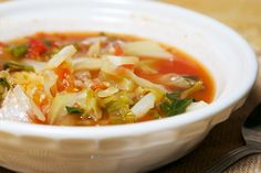Tomato & Cabbage Soup - Michigan Harvest of the Month Detox Soup Cabbage, Diced Carrots, Inexpensive Meals, Nutrition Tips, Serving Size, Soups And Stews, Family Meals, Entrees, Side Dishes