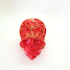 Handmade skull candle red ombre colour and golden elements. Large Pillar Candles, Unique Candles, Black Candles, Halloween Candles, Halloween Decorations, Unique Gifts, Gifts Uk, Handmade Gifts, Skull Candle