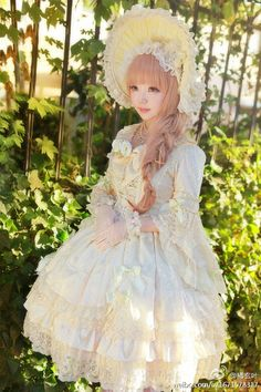 """Any style welcome. What do you like in an OTT outfit? - """"/cgl/ - Cosplay & EGL"""" is imageboard for the discussion of cosplay, elegant gothic lolita (EGL), and anime conventions. Mode Harajuku, Estilo Harajuku, Harajuku Girls, Harajuku Fashion, Kawaii Fashion, Lolita Fashion, Cute Fashion, Estilo Lolita, Lolita Cosplay"""
