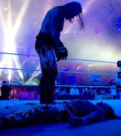 Undertaker over Shawn Michaels Wwe Wrestlemania 30, Paul Bearer, The Heartbreak Kid, Wwe Raw And Smackdown, Undertaker Wwe, Wwe Pictures, Shawn Michaels, Wrestling Superstars, Wwe World