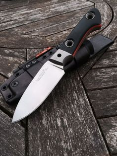 Custom Knife Making Cool Knives, Knives And Tools, Knives And Swords, Buck Knives, Bushcraft Knives, Tactical Knives, Collector Knives, Trench Knife, Beil