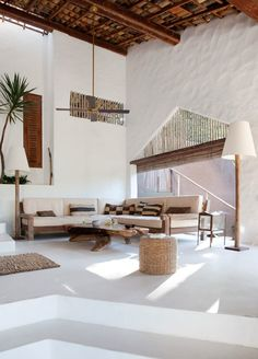 CASA TIBA, beautiful vacation rental villa in Trancoso, Brazil. Rustic, natural and simple, yet with sophistication. Style At Home, Interior Exterior, Interior Architecture, Loft Interior, Exterior Doors, Exterior Design, African Interior, Tropical Houses, Tropical Gardens