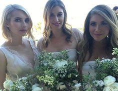 Hochzeits-Looks: Emma Roberts (l.) bezaubert bei der Hochzeit ihrer Designerin als Brautjungfer.