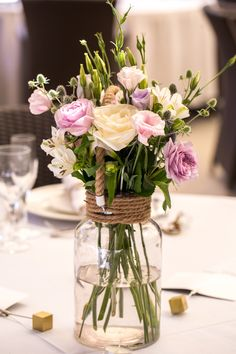 in the spring Wedding # Spring Wedding # for spring # Frühlingsdekora Gardens are not simply for lawns … Flower Centerpieces, Flower Decorations, Wedding Decorations, Easter Table Decorations, Tulip Wedding, Wedding Flowers, Spring Wedding, Easter Flowers, Cut Flowers