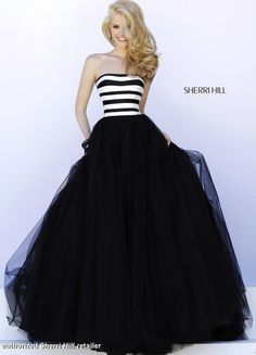 Shop prom dresses and long gowns for prom at Simply Dresses. Floor-length evening dresses, prom gowns, short prom dresses, and long formal dresses for prom. Sherri Hill Prom Dresses, Homecoming Dresses, Prom Gowns, Strapless Dress Formal, Formal Dresses, Wedding Dresses, Formal Prom, Dress Long, Beauty And Fashion