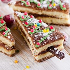 Ingredients: for the test: 150 g flour 5 eggs 200 g sugar 10 g vanilla sugar a pinch of salt, for cream: 1 egg 200 g butter, Fast Dinners, Easy Meals, Quick Recipes, Cake Recipes, Christmas Morning Breakfast, Wonderful Recipe, Food Cakes, The Dish, Vegetarian Recipes