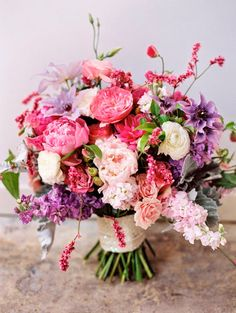 12 Stunning Wedding Bouquets - 28th Edition - Belle the Magazine . The Wedding Blog For The Sophisticated Bride