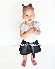 Dit schattige jurkje shop je in drie kleuren op > www.fashionkidsnl.nl voor maar €12,5!