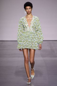Zimmermann Spring/Summer 2018 Ready To Wear | British Vogue