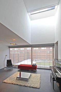 casanova + hernandez architects folds adaptable villas