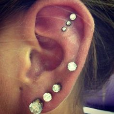 buddhatattoos Beauty Parlour For Body Piercing have professional body piercers to do Eyebrow Piercing, nose & ear piercing, belly button piercing in hyderabad.