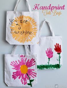 Handprint Tote Bags - Mother's Day Gifts from Kids ideas for fathers day crafts, fathers day quotes from kids, fathers day drawings Kids Crafts, Mothers Day Crafts For Kids, Diy Mothers Day Gifts, Fathers Day Crafts, Toddler Crafts, Preschool Crafts, Mother Gifts, Diy For Kids, Mothers Day Gifts Toddlers