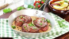 Saus til biff Frisk, Beef Recipes, Meat, Cooking, Ethnic Recipes, Food, Beef, Meal, Kochen
