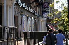 Boston Ma 10/072015 Huntington Theatre Company and Boston University are dissolving their partnership .A exterior of the Boston University Theatre. Staff/Photographer Jonathan Wiggs Topic: Reporter