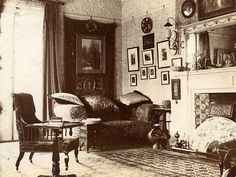 I think this is from the same house as the previous image. Notice the large paper fan in the fireplace. Victorian Parlor, Victorian Decor, Victorian Homes, Folk Victorian, Victorian Interiors, Vintage Interiors, House Interiors, Antique Interior, Vintage Room