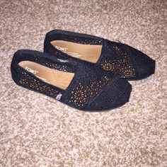 black crotchet toms! size 6! great condition! size 6! buy through PayPal and pay $24 (: tracking number will be provided! TOMS Shoes Flats & Loafers