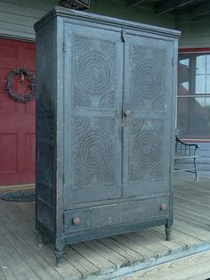1840 Pie Safe ... sigh  My pie safe envy is getting really bad.
