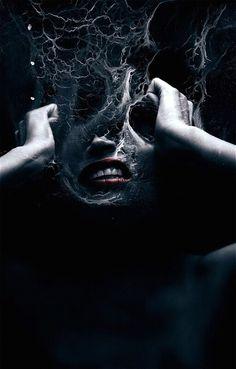 Elisandre - LOeuvre au Noir: Angoisse entre Paul Verlaine et Federico Bebber Arte Horror, Horror Art, Surrealism Photography, Art Photography, Digital Photography, Photoshop, Migraine Art, Migraine Attack, Art Zombie