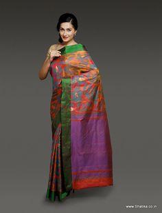 Blooming flower motifs on a colorful background, Sashi Orange and Purple Pure Uppada Silk Saree is the genius work of Vishnu Padmasali, a master weaver from Uppada.
