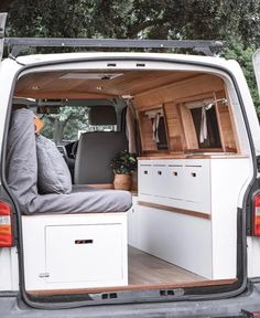 Kangoo Camper, T5 Camper, Camper Life, Eurovan Camper, Van Conversion Interior, Camper Van Conversion Diy, Van Interior, Kombi Home, Volkswagen Transporter