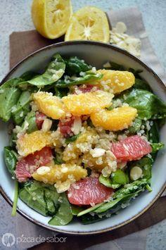 Ensalada de quinoa, espinaca y naranja | http://www.pizcadesabor.com