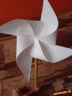 papírový větrník