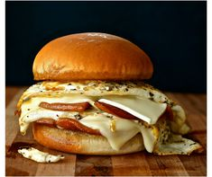 Old School Fried Garlic Bologna & Egg Sandwich with Cheese - Wildflour's Cottage Kitchen Bologna Sandwich, Beef Sandwich, Sandwich Shops, Bologna Recipes, Fried Bologna, Egg Sandwiches, Italian Sandwiches, Gourmet Sandwiches, Food Cakes