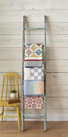 Love this Vintage ladder quilt rack -----How to Decorate with Vintage Ladders {20 Ways to Inspire}
