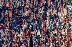 Foto del día: Vintage, by Franck Bohbot Esta imagen retrata un procesador de ropa usada y de segunda mano en Nueva Jersey, donde los elementos permiten una variedad de colores muy vistosos.