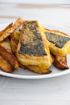 Vegan Tofish and Chips - Make your own battered fish filets without fish! Thanks to tofu we can make a cruelty-free, plant-based alternative – perfect for vegan Tofish and Chips! Tofu Recipes, Seafood Recipes, Vegetarian Recipes, Cooking Recipes, Kid Recipes, Yummy Recipes, Vegan Meal Plans, Vegan Meal Prep, Vegan Fish