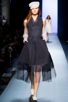 Jean Paul Gaultier 2015 Couture İlkbahar Koleksiyonu - Jean Paul Gaultier ilkbahar yaz 2015 Haute Couture koleksiyonu hem klasik ve hem de oldukça yenilikçi elbiselerden oluşmakta...